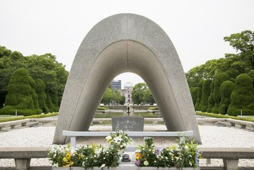 pros and cons of hiroshima bombing