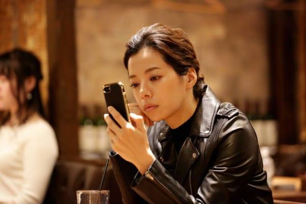 黒のレザージャケットがかっこいい桜井ユキ
